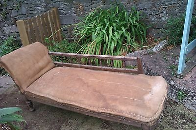 VICTORIAN / EDWARDIAN ANTIQUE CHAISE LOUNGE / SETTEE- DAY BED- For Referbishment