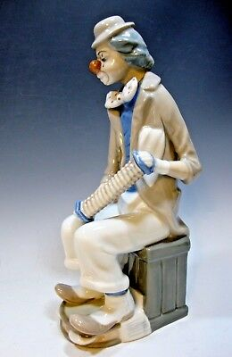 "Casades Porcelain Figurine Musician Clown - Spain - 10 1/4""H"