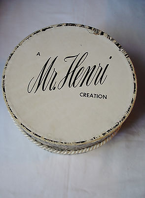 "Vintage Mr. Henri Creation Hat Box  7 1/2"" x 4 1/4"" Small Collectable Hat Box"