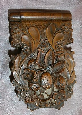 Coffret boîte porte montre Bois très finement sculpté en relief - Watch holder