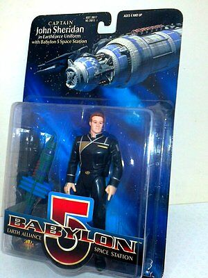"""Captain John Sheridan with  Babylon 5 Space Station Exclusive Premiere 6"""" Figure"""