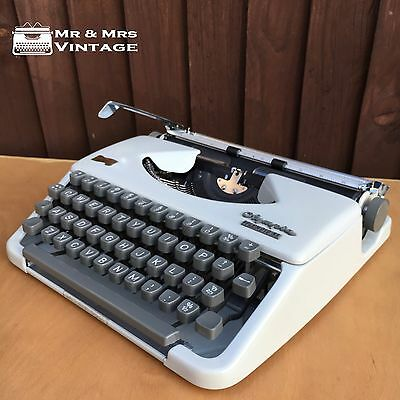 Immaculate Olympia Splendid 33 Grey Typewriter working black ribbon EXCELLENT