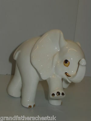 ROYAL OSBORNE WHITE BONE CHINA ELEPHANT LEG UP MALAYSIA TMR 3772 original box
