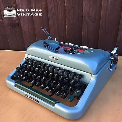 ITALIC Imperial Good Companion 4 Typewriter Working black red ribbon Excellent