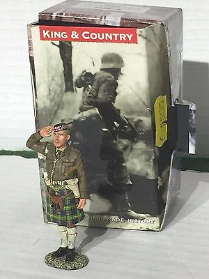 KING AND COUNTRY 8TH ARMY EA32 Scottish Officer saluting
