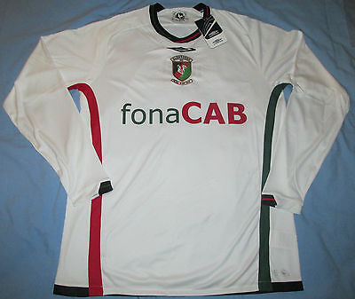 GLENTORAN FC  Umbro 2009 Football Shirt - L - New