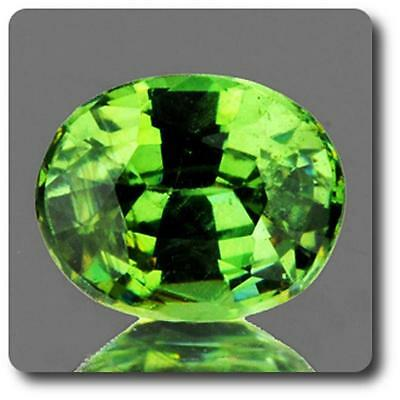 GARNET DEMANTOID . 0.68 cts. VVS Ural Mountains, Russia With Certificate