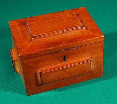 Antique and rare mahogany box / Antigua y original caja de caoba. REF-640057