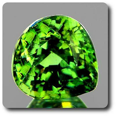 GARNET DEMANTOID . 0.50 cts. VVS Ural Mountains, Russia With Certificate