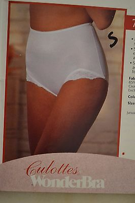 "Wonderbra Panty ""Vintage"" Light Control Panty, Style #735, White, Small & Medium"