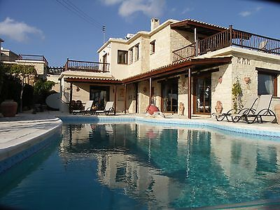 Stunning Villa in Peyia, Coral Bay, Paphos Cyprus - Infinity Pool and Sea Views