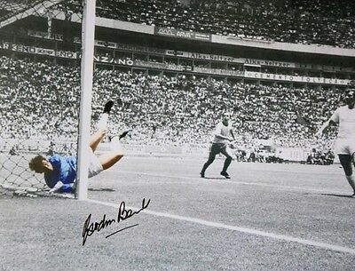 """The Greatest Save"" signed Gordon Banks 16 x 12 print - autograph"