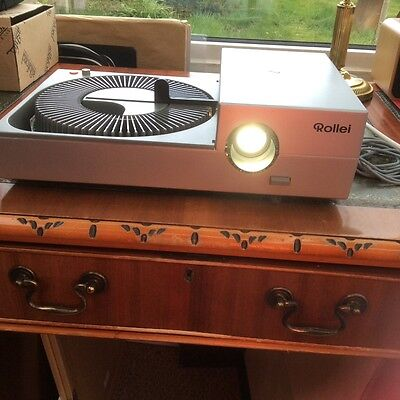 Vintage Rollei slide projector, great condition, plus carry case