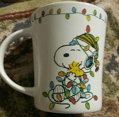 Peanuts Snoopy Christmas Snoopy Wrapped in Lights Mug Cup Collectible 2016 New