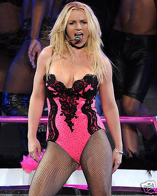 Britney Spears 8x10 Sexy Concert Photo #2