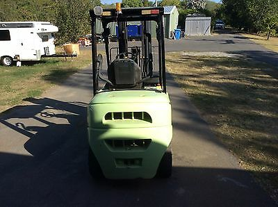 Clarke 3T Diesel Forklift with Hightop Container Mast