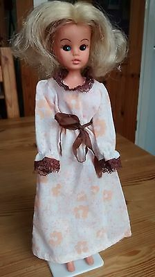 sindy vintage sweet dreams doll and nightgown 1980 44740