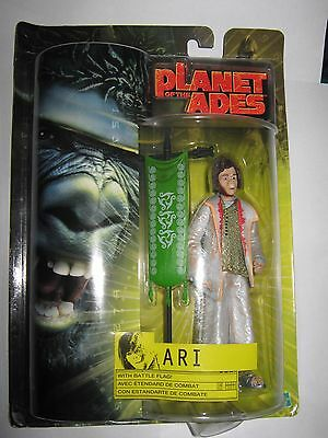 Planet of the apes - The Movie - Ari with Battle Flag Action Figure