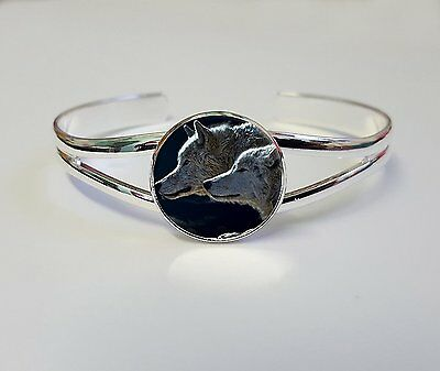 Wolf On A Silver Plated Bracelet Bangle Gift L43