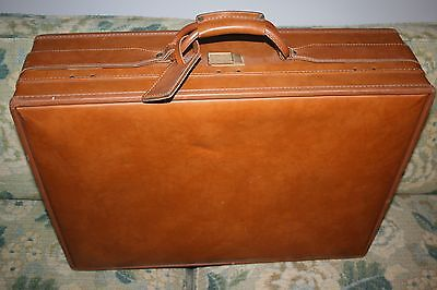 BEAUTIFUL Vintage Hartmann Luggage Rolling Suitcase Tan - RARE PAISLEY