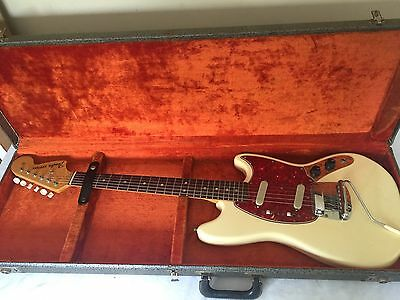Vintage 1966 Fender Mustang Electric Guitar OLYMPIC WHITE w/ Original Case