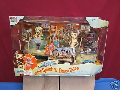 Bratz Sunkissed Summer Splash and Dance Pool MGA Toys 2004 w/ exclusive Fiona