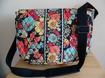 Vera Bradley Crossbody Laptop Messenger Bag in Happy Snails, Excellent Condition