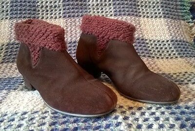 VTG 1940s 1950s Brown Suede Ankle Booties Cozy Winter Boots Morlands WW2 Size 5