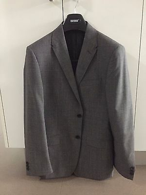 Oxford Men's Suit, Grey, Size 84CMS, Brand New