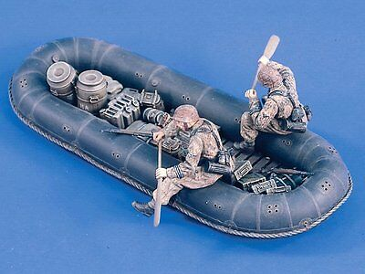 Verlinden 1/35 German Rubber Supply Dinghy w/Waffen-SS Soldiers & Load WWII 1727