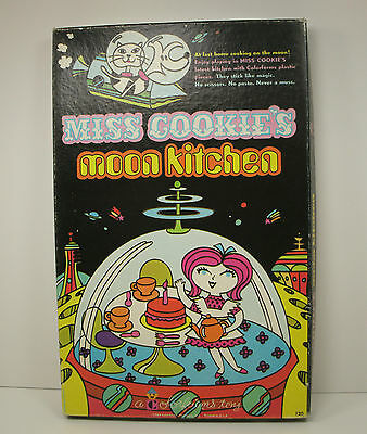 Colorforms Miss Cookie's Moon Kitchen