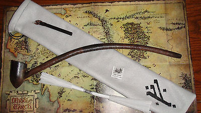 SIR WILLIAM W  PIPE, TAMPER, POUCH SET LORD OF THE RINGS CARD HOBBIT GANDALF gs