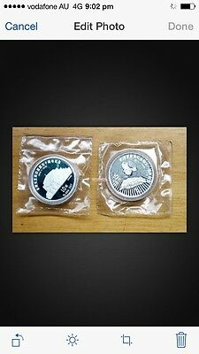 1995 2pc  china return of taiwan silver coin