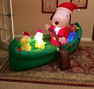 Gemmy Christmas Snoopy on Canoe Inflatable Airblown