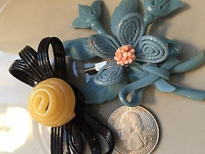 2 vintage plastic brooches pins, C clasp