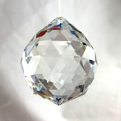 1 x ROUND HANGING 30mm CRYSTAL SUN CATCHER CHI GLASS FENG SHUI PRISM