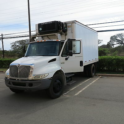 truck international 4300 refrigerator truck with liftgate and only 22k miles