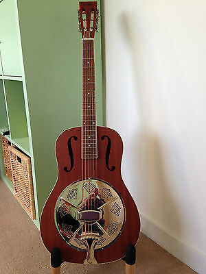 Ashbury AR-39 Solid mahogany resonator/slide guitar with fitted case