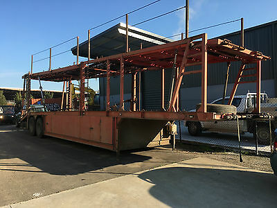 6 car carrier trailer - Tandem axle and air brakes.
