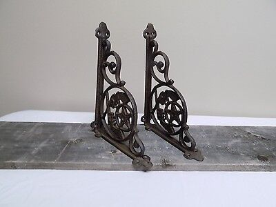 2 Cast Iron Crossed Pistols Brackets Garden Braces Shelf Bracket RUSTIC Gun
