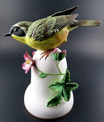 Vintage 1987 Franklin Mint Japan Porcelain 3D Bell Biird Yellowthroat By Peter B