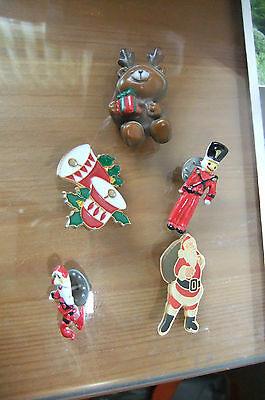 Christmas badge/pins x 5 old/vintage collectable
