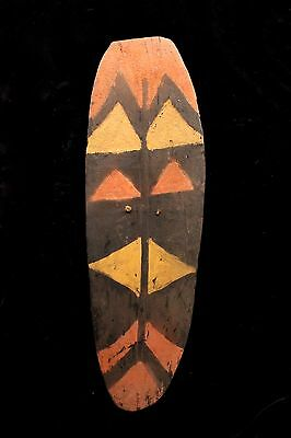 Old Southern Highlands Mendi Fighting Shield - Papua New Guinea