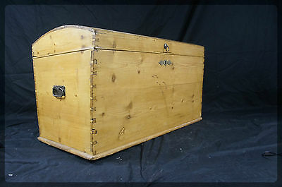 Large Victorian Domed Top Pine Blanket Box / Chest / Trunk - Great Bedroom Size