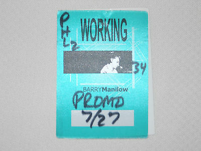 Barry Manilow 2002 -satin backstage pass crew July 27, 2002 - color green
