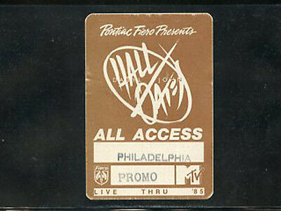 Hall & Oates - Live thru '85 - backstage all access satin pass March 11 Spectrum