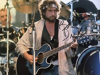 Authentic Bob Dylan Hand signed photo 8 x 10 W/COA