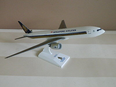 Singapore Airlines Boeing 777 - Scale 1 : 200