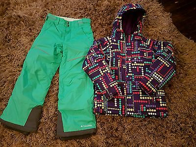 Girls ski suit by Columbia age 6-7 years.... jacket and salopettes