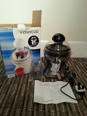Kenwood Silver/Chrome JE356 Centrifugal Juicer Boxed & in Excellent Condition